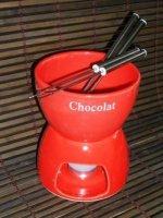 Fondue Set mit 4 Gabeln für Schokolade in rot oder weiß
